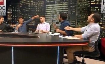 Periodista estornudó al aire y lo echaron del piso | Tnt sports