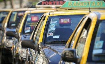 Taxistas denuncian a las aplicaciones de viajes privados | Coronavirus en argentina
