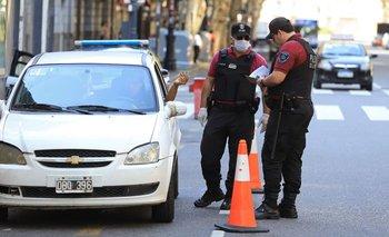 Internaron a 4 policías y enviaron a otros 63 a cuarentena | Coronavirus en argentina