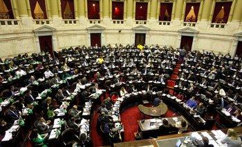 Diputados podría sesionar, pero la oposición se niega   Coronavirus en argentina