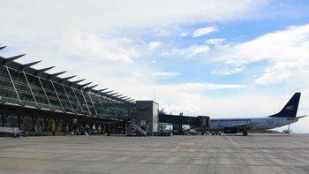 Por la pandemia, desactivan 30 aeropuertos con poco tránsito   Coronavirus en argentina