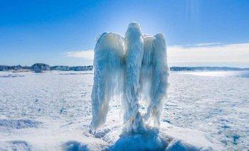 """El misterioso """"ángel de hielo"""" que apareció en un lago de Estados Unidos   Fenómenos naturales"""
