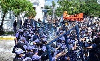 Protestas e incidentes en Formosa por volver a fase 1 de la cuarentena    Formosa