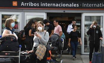 Oficial: se reducen los vuelos que llegan desde el exterior   Coronavirus en argentina