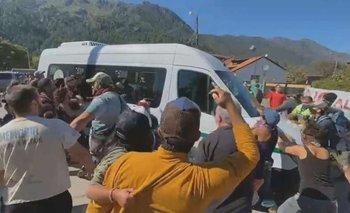 Atacaron a Alberto Fernández en su llegada a Chubut | Chubut