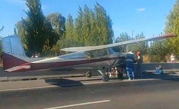 Impactante video: avioneta aterrizó de emergencia sobre la ruta 22 | Río negro