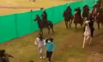 Jujuy: la policía de Gerardo Morales corre con caballos a niños   Gerardo morales