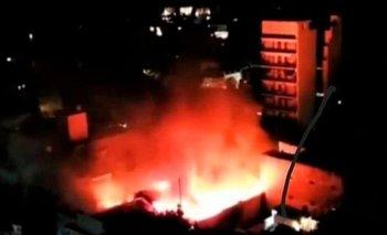 Video: Incendio y explosión en un supermercado de Villa Urquiza  | Video