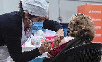 COVID-19: Argentina comienza la vacunación de adolescentes de 12 a 17 años   Coronavirus en argentina