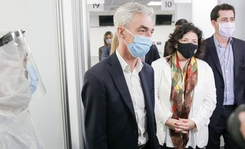 El Gobierno inspeccionó el operativo de testeos en el Aeropuerto de Ezeiza | Coronavirus en argentina