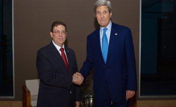Después de 50 años, EE.UU. y Cuba comparten una histórica cumbre en Panamá | Barack obama