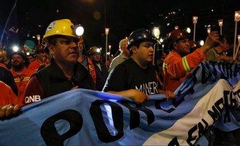 Marcha de antorchas de los mineros de Río Turbio frente al Congreso | Cambiemos