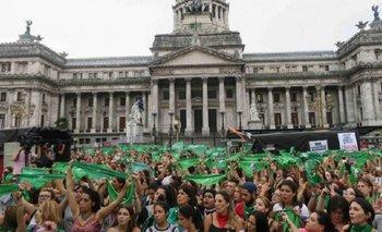 Julia Mengolini, Débora Plager y Darío Z son algunos de los expositores en el debate por la despenalización del aborto   Aborto