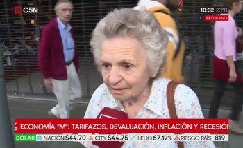 La peor cara de la crisis: Una jubilada come una vez al día para llegar a fin de mes | Ajuste