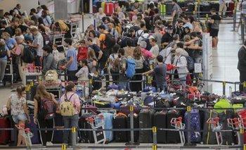 Por la crisis, cada vez más argentinos emigran a Europa a buscar trabajo | Crisis económica