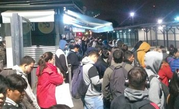 Estado el tren Sarmiento: Luego del tarifazo de transporte, hay fallas en Caballito y el servicio funciona reducido | Transporte