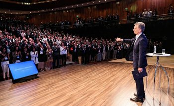 Denuncian penalmente a Macri por la corrida financiera del lunes | Corrida cambiaria