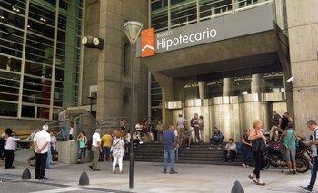 Los bancos abrirán el sábado y domingo para el pago a jubilados | Coronavirus en argentina