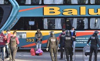 """Venezolano echado por Morales: """"No queríamos subir al micro""""   Coronavirus en argentina"""