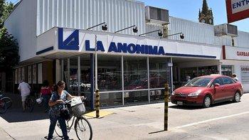 Clausuran un supermercado de la familia de Marcos Peña | Coronavirus