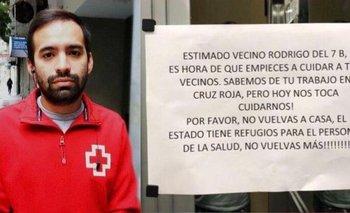Funcionarios repudiaron mensajes contra médicos en edificios | Coronavirus en argentina
