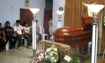Conmoción: la dieron por muerta y despertó en la funeraria | Tenso momento