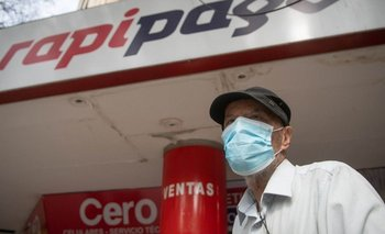 El BCRA habilita a Rapipago y Pago Fácil a cobrar servicios | Cuarentena obligatoria