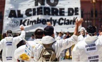 Trabajadores piden reabrir fábrica papelera por la pandemia | Coronavirus en argentina