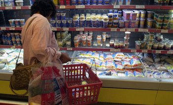 El Gobierno compensa a comercios para congelar precios | Crisis económica