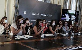 Ponen en marcha un nuevo Centro de Géneros en Tecnología  | Políticas de género