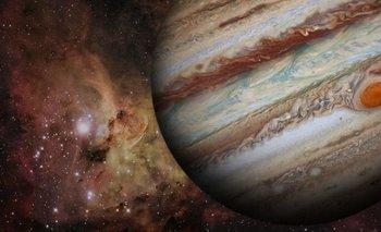 ¿Un nuevo planeta? Astrónomos chilenos detectan un monstruo gaseoso | Descubrimiento