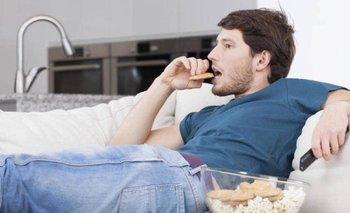 Por qué el sedentarismo tiene efectos similares a los de fumar | Salud