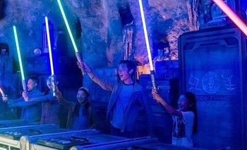 Disney recreó el sable láser de Star Wars: cómo funciona   Disney