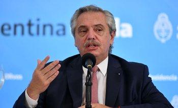Alberto anunció un bono de $6.500 por tres meses a personal de Salud | Crisis económica