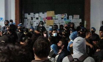 Seis detenidos en la movilización contra las restricciones para frenar al COVID-19 | Coronavirus en argentina