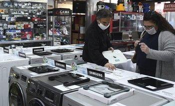 Gobierno acordó con electrónicas congelar precioshasta fin de octubre | Lucha contra la inflación