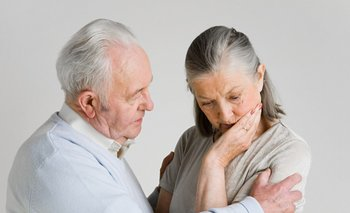 Cómo afecta dormir poco a las personas con Alzheimer | Consejos de salud