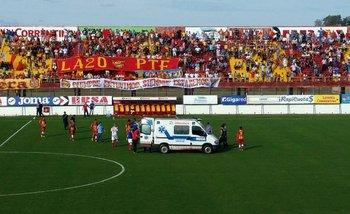 Otra muerte en el fútbol: Un jugador de la B Nacional se desplomó en pleno partido y falleció | Sociedad