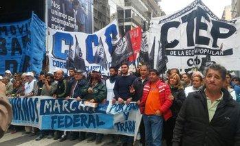 Advierten que la Marcha Federal irá a la Casa Rosada si Macri veta la ley que frena el tarifazo | Macri presidente