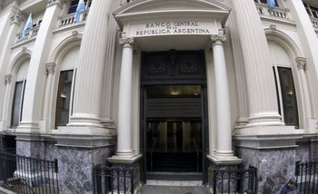 El gobierno puede quemar US$ 14.000 millones de reservas para que no vuelva Cristina   Dólar
