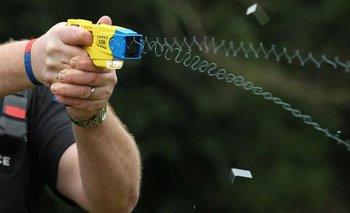 Taser: hace dos meses, el gobierno negó la compra de las armas eléctricas   Patricia bullrich