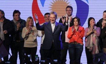 "Elecciones en Córdoba: Schiaretti celebró su aplastante triunfo y se alejó de ""la grieta"" entre Macri y Cristina Kirchner | Elecciones en córdoba"