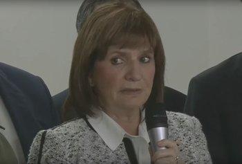 El garrafal error de Bullrich en la conferencia de prensa por el médico acusado de pedofilia    Patricia bullrich
