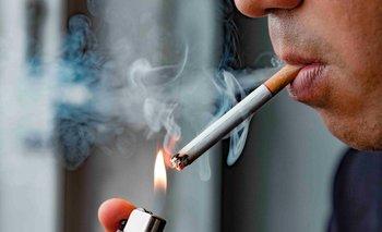 Advierten por el riesgo de contagio que trae fumar   Pandemia