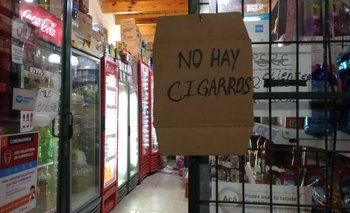 Contrabando y paquetes a $800: el drama de los fumadores | San juan