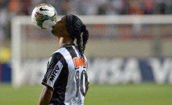 Bomba: Ronaldinho está en en conversaciones con Gimnasia | ¿se juntarán los 10?