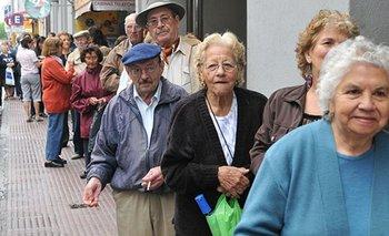 Piden que aumentos por decreto a jubilados siga hasta 2021 | Anses