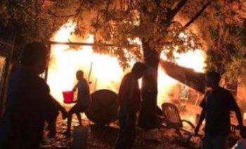 Conmoción por el incendio en la casa de un futbolista de Boca | Video