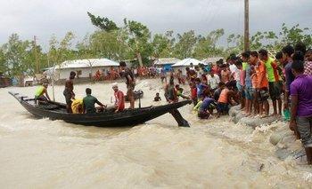 Un súper ciclón arrasó India y Bangladesh   Fenómenos naturales