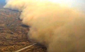 Impresionante: Una  nube de polvo se tragó un pueblo | China